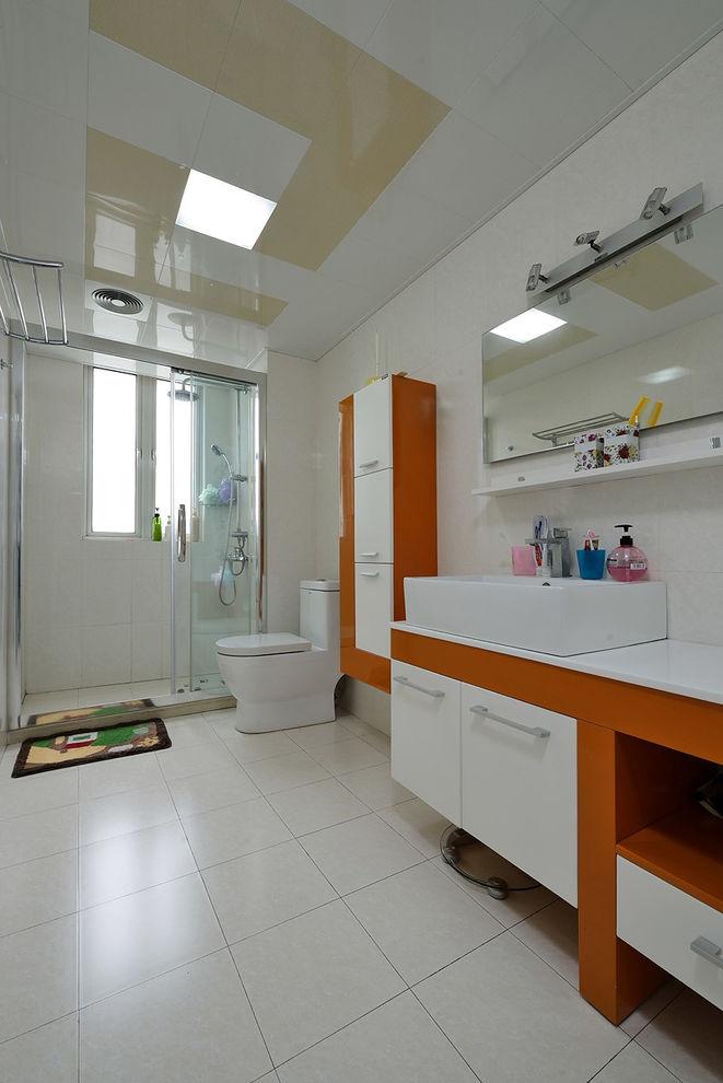 5平米现代简约大气卫生间装潢效果图
