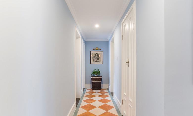 梦幻蓝色美式混搭家居过道设计