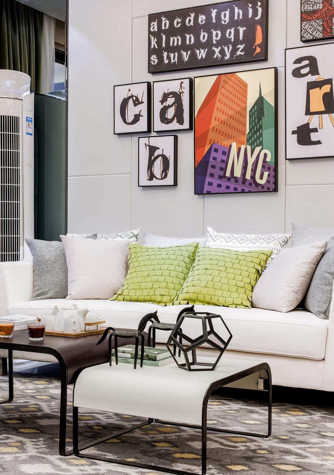 家装时尚简约沙发靠垫装饰