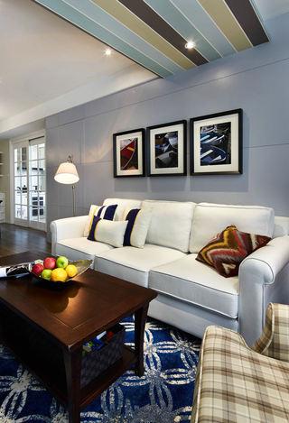 美式风格客厅三人沙发摆放图