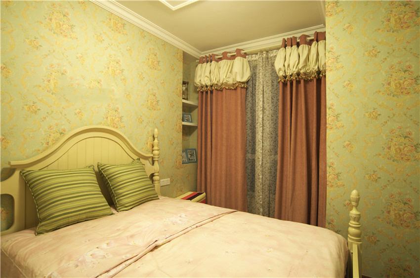 淡绿色乡村田园风格卧室墙面装饰