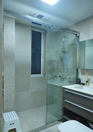 简约设计卫生间干湿分离装修