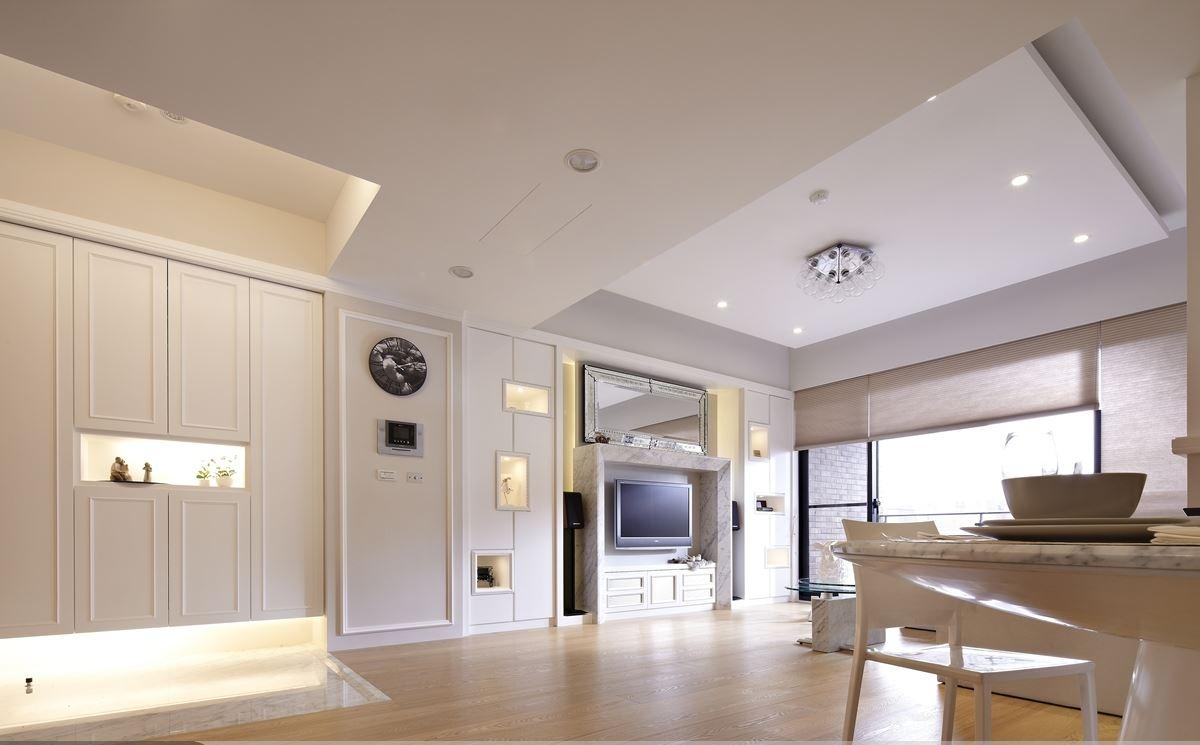 白色简欧三居室家装效果图