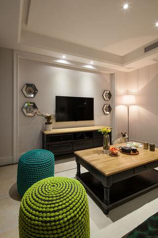 古典混搭设计一居室装饰图