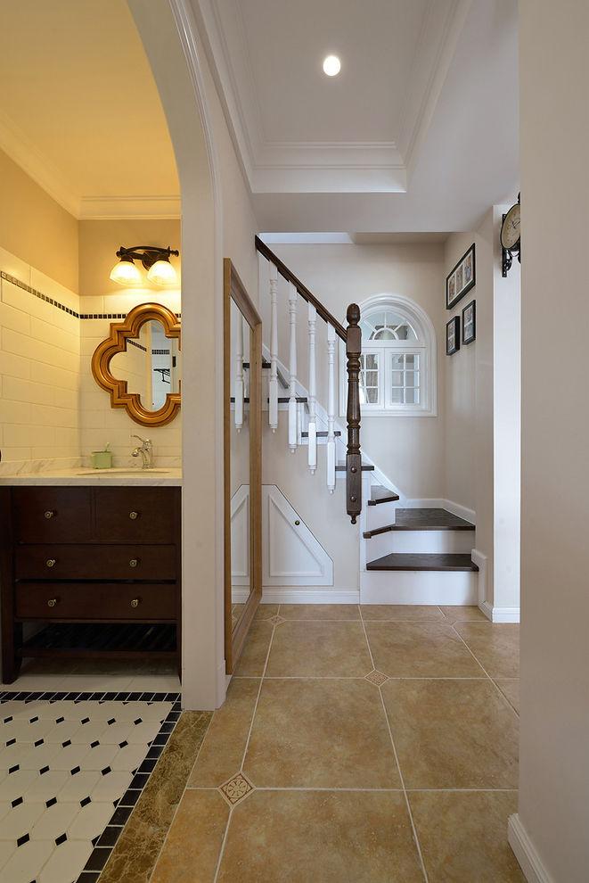 精致复古美式复式楼梯效果图