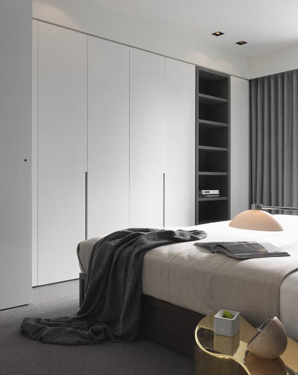 简约风格公寓卧室衣柜设计