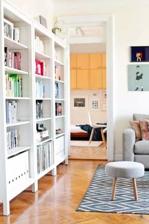 清新简约一居室书架装饰
