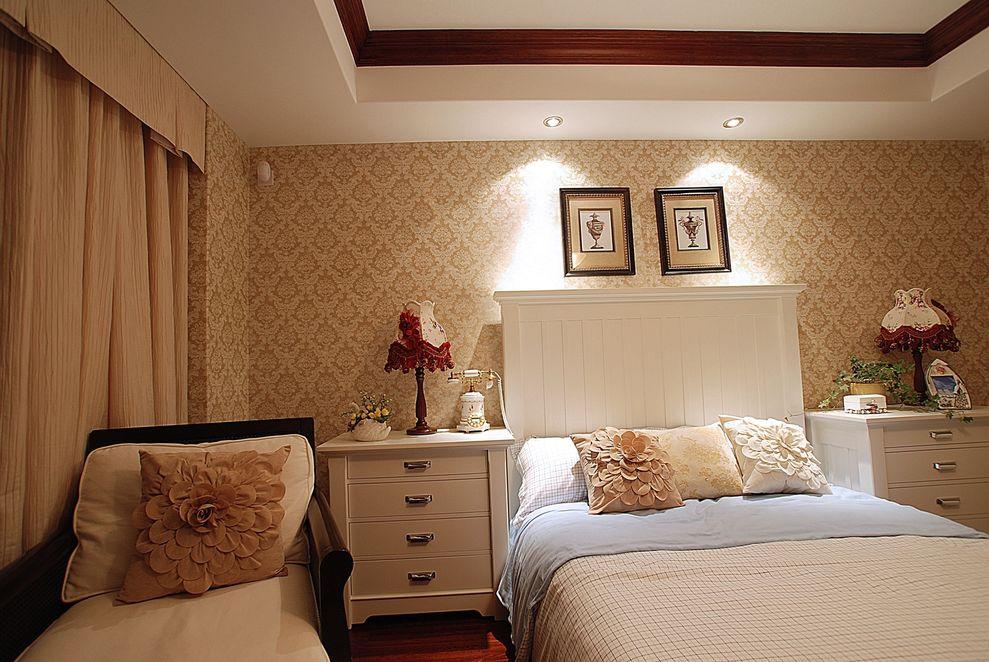 甜美温馨美式卧室背景墙装饰效果图