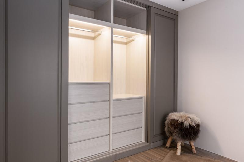 时尚灰白搭配宜家衣柜设计效果图