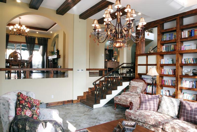 复古乡村美式跃层实木家居装饰设计