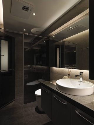 时尚深色系现代风格卫生间洗脸盆效果图