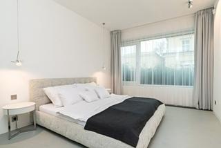 极简风格卧室窗帘效果图