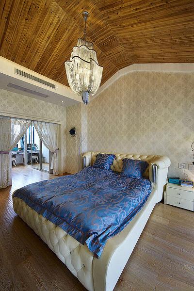 欧式现代混搭卧室吊顶效果图