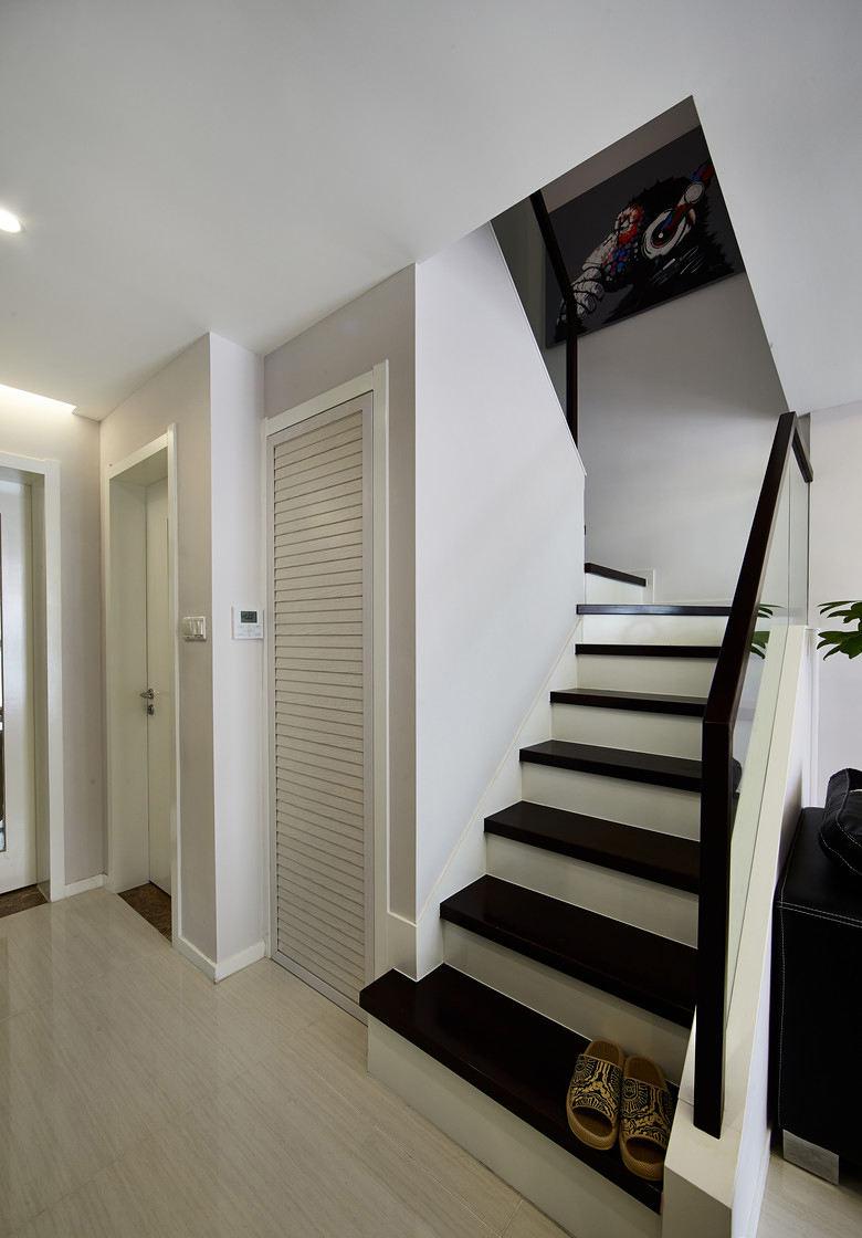 时尚黑白混搭风 复式楼梯效果图