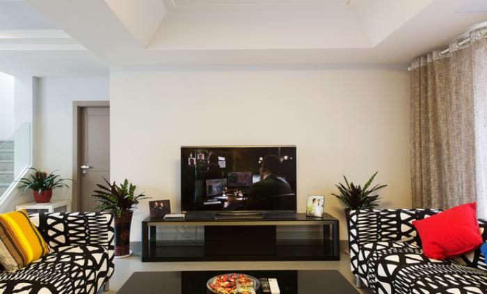 现代简约客厅电视柜装饰图