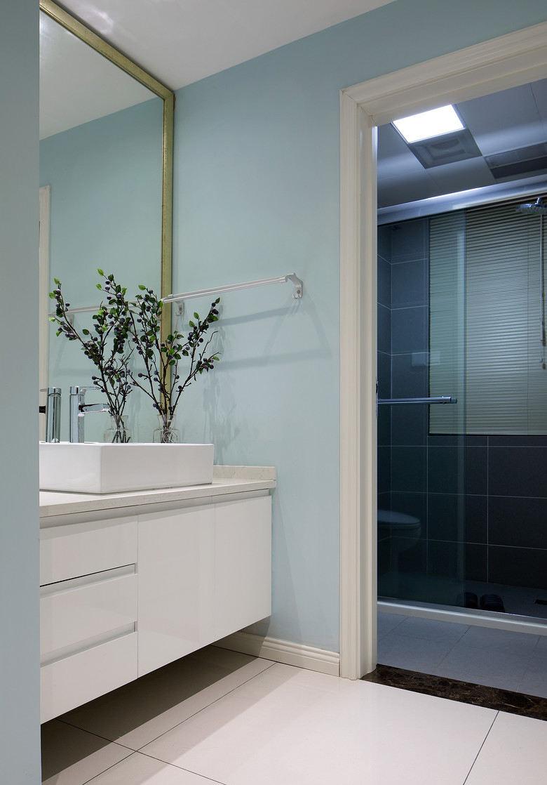 简约现代小户型卫生间设计