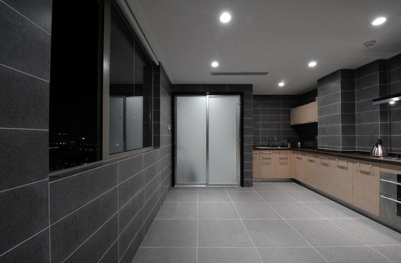 30平超大现代简约厨房装修效果图