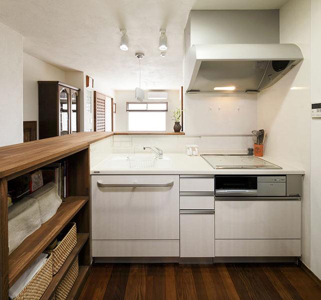 素色宜家日式小厨房白色橱柜设计