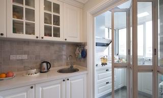 清新白色美式风格厨房折叠门效果图