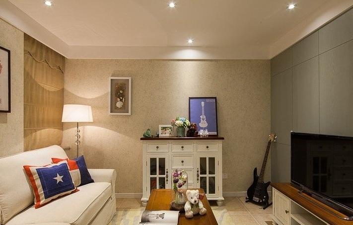 温馨简美式小户客厅背景墙装饰效果图
