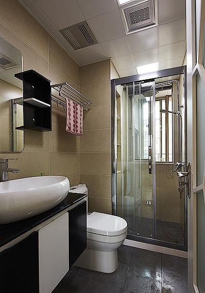 素色简约美式家装卫生间淋浴房设计