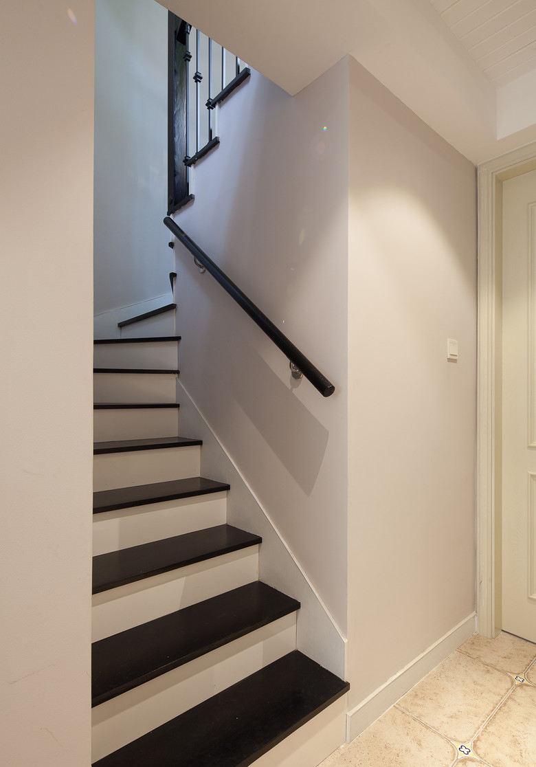 简欧装修风格复式楼梯设计
