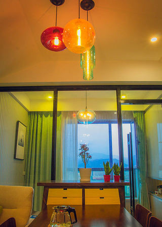 潮流现代家装吊灯设计装修图