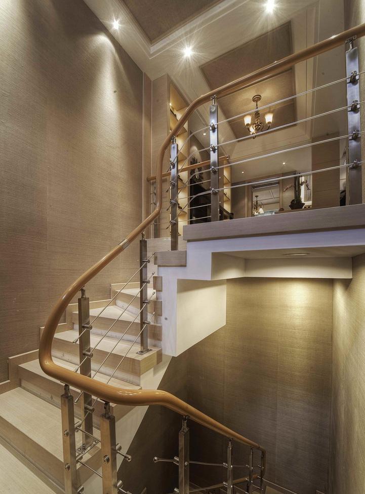 雅致新古典别墅楼梯护栏装饰设计图