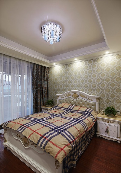 温馨精致简欧风格卧室装潢设计