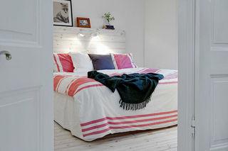 明亮文艺北欧风情卧室折叠门设计