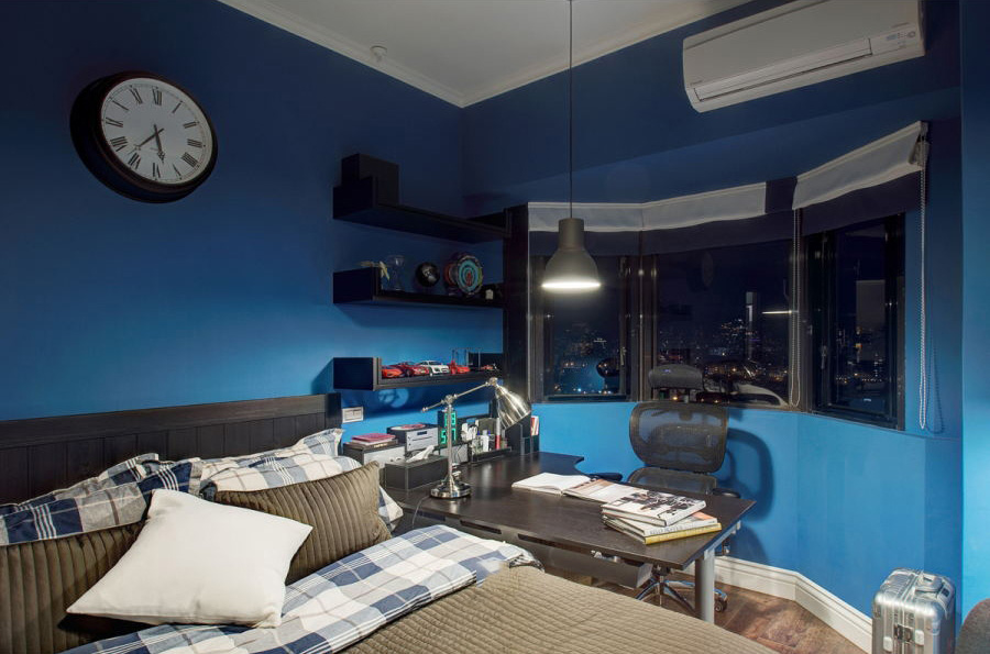 宝石蓝简美式小卧室窗户装修效果图