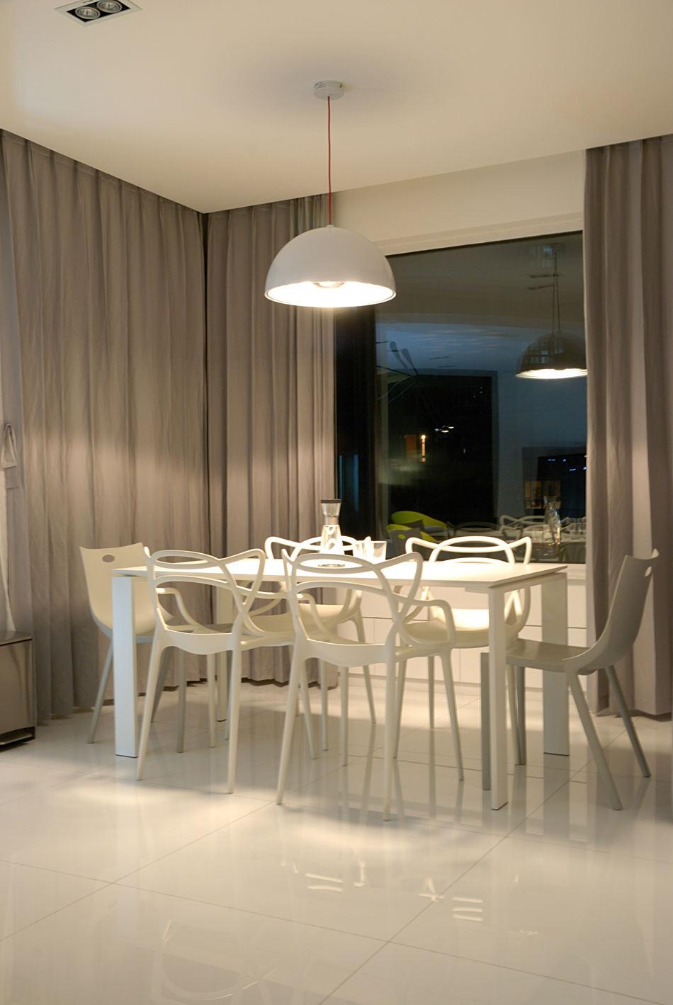 极简现代家居餐厅灰色窗帘效果图