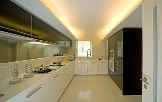现代时尚简约家装厨房吊顶设计图