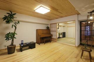 家装客厅日式装修风格实木吊顶效果图