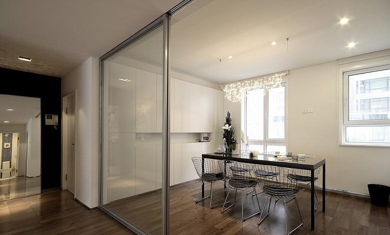 超简装修设计餐厅玻璃移门隔断图