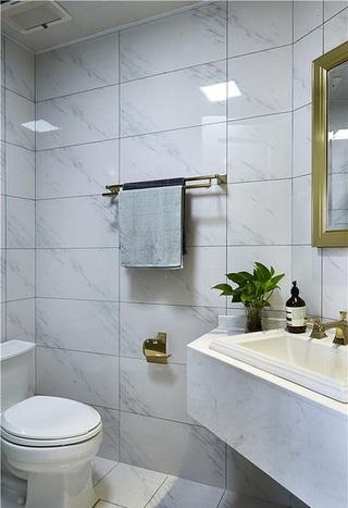 清新明亮简约卫生间瓷砖效果图