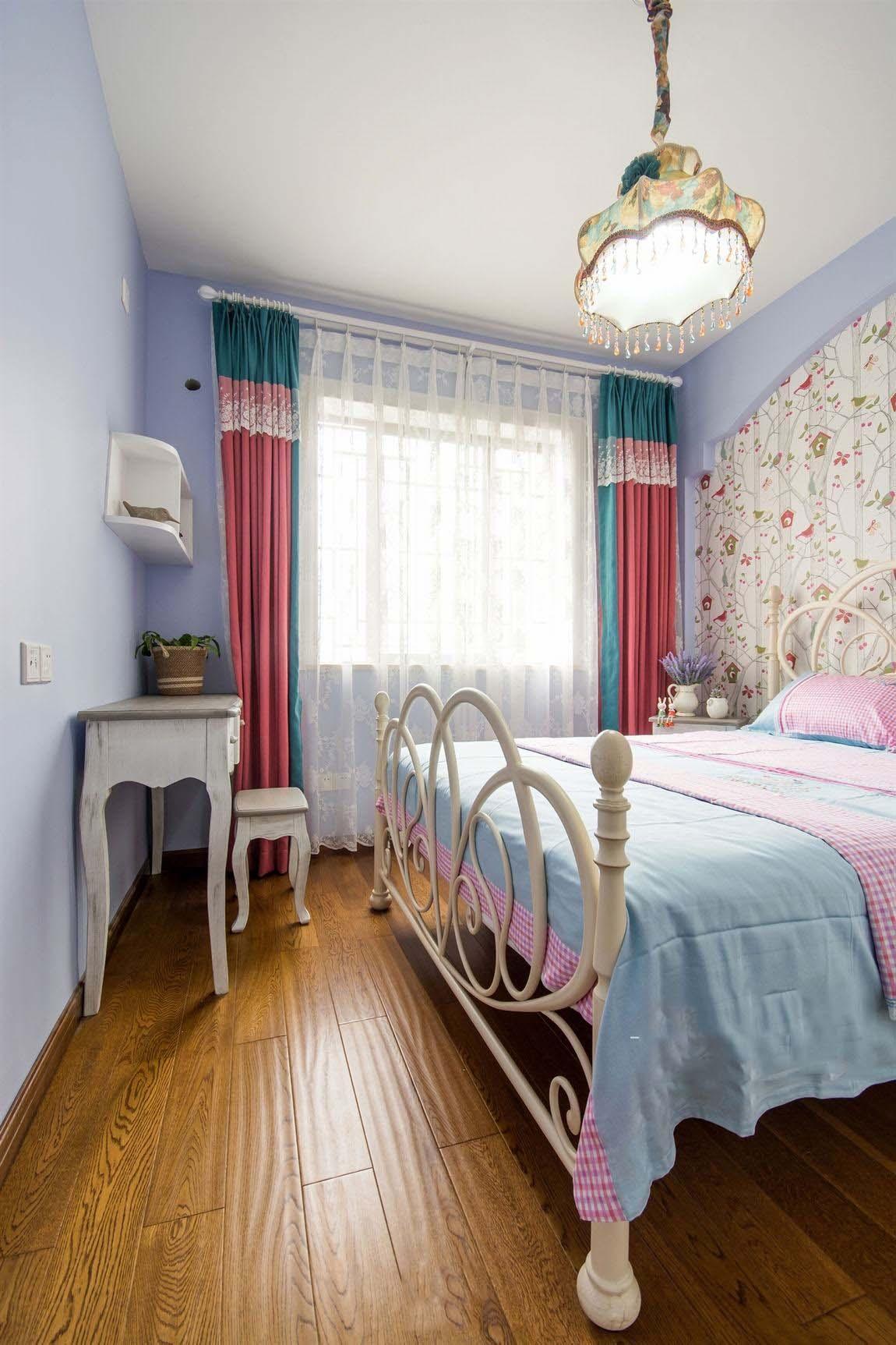 甜美田园时尚卧室窗帘效果图