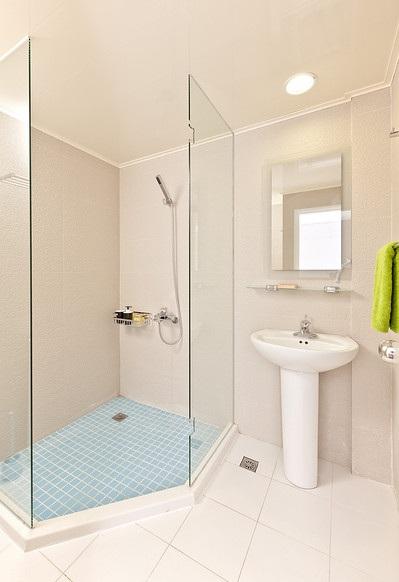 简约风格卫生间淋浴房设计