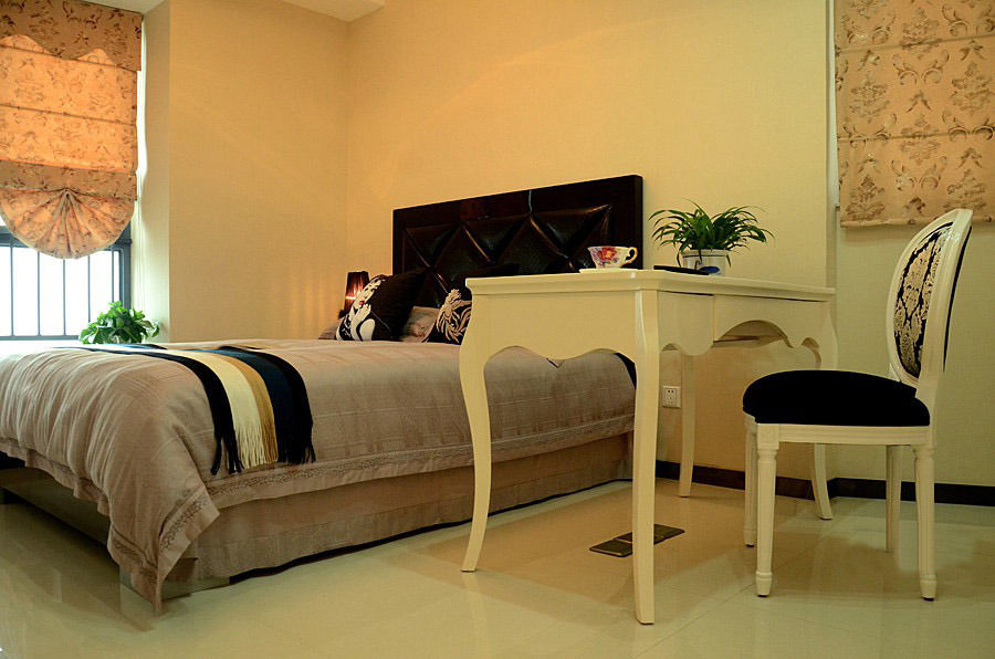清新浪漫简欧风格卧室简单装修图