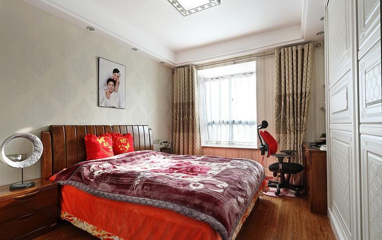 古朴中式卧室婚房布置装潢图