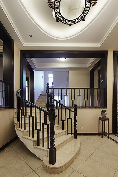 别致新古典中式跃层实木楼梯效果图