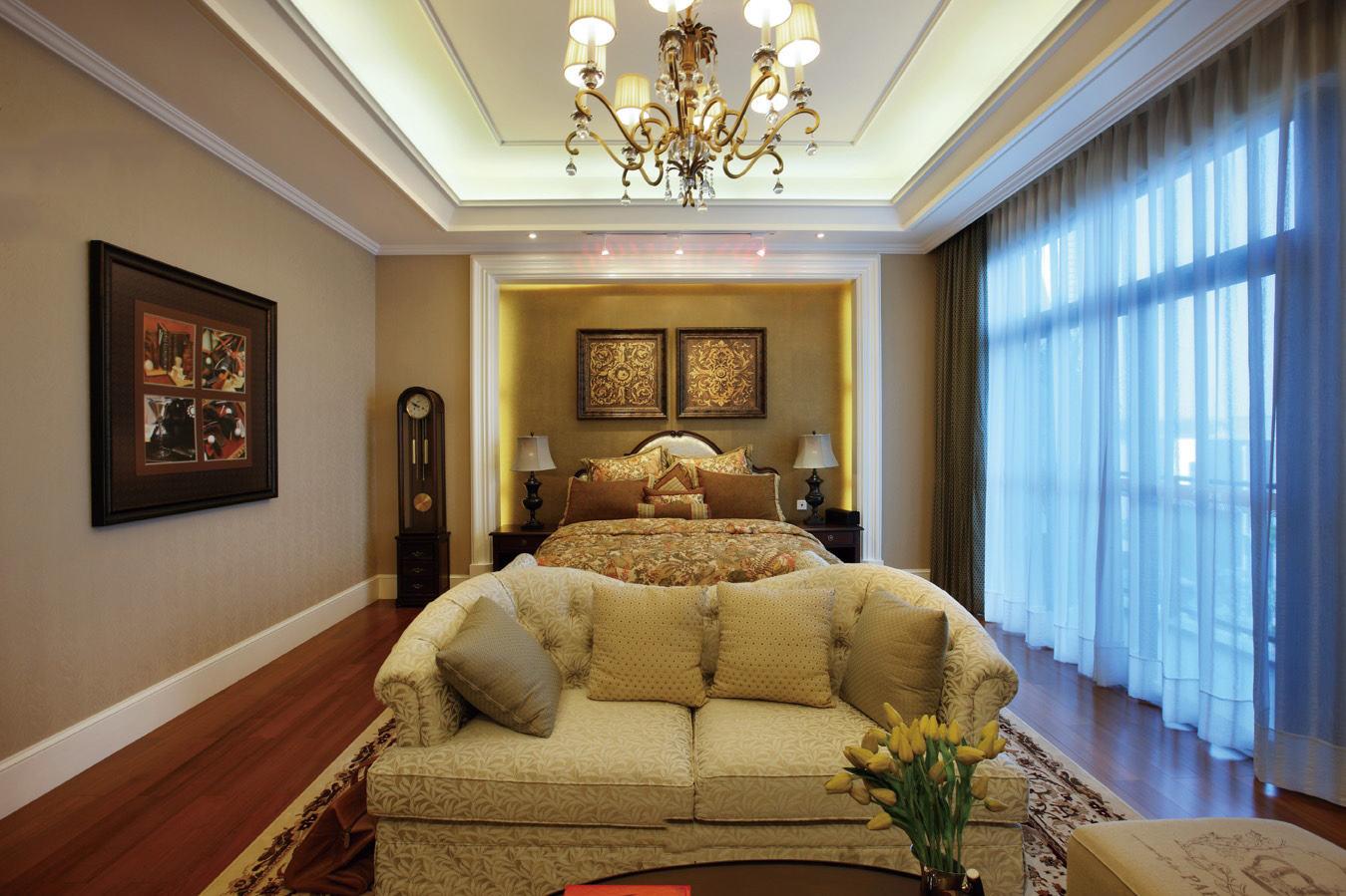 美式装修风格卧室窗帘装饰图