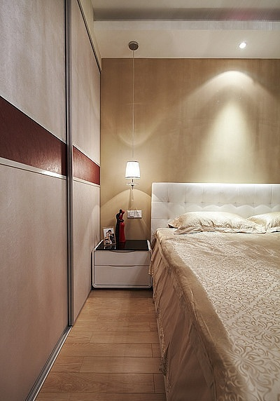 精美美式风格卧室移门衣柜装饰