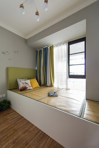 现代设计宜家装修卧室榻榻米床