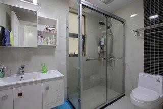 简约现代家装卫生间淋浴房设计