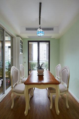 唯美清新简约地中海三室两厅装饰设计