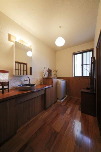 舒适咖色日式和风实木卫生间干区装饰