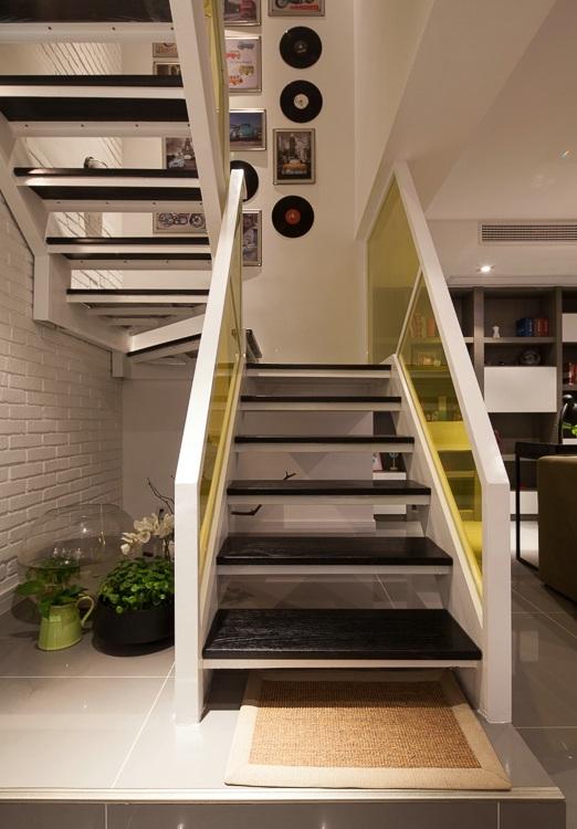 现代时尚复式楼梯效果图