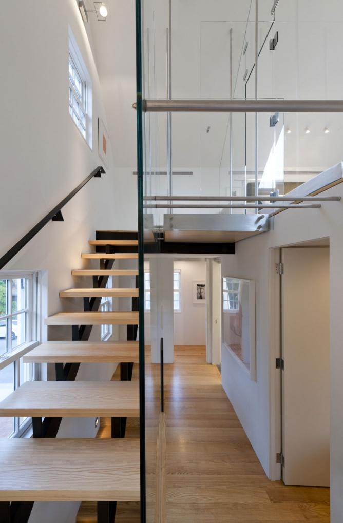 简约宜家复式木质楼梯效果图