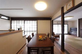 古朴日式风格餐厅设计装修效果图